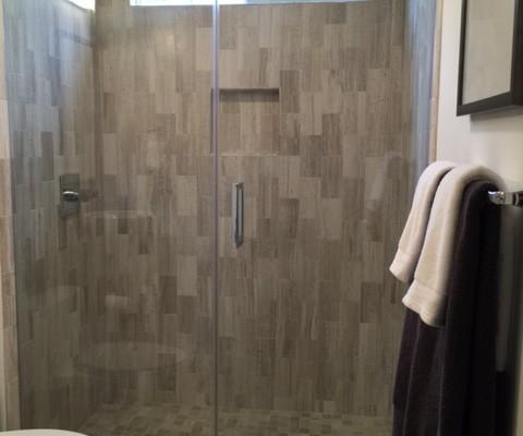Modern bath remodel in Temecula, CA